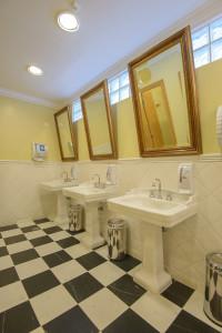 Fotografia banheiro hotelaria